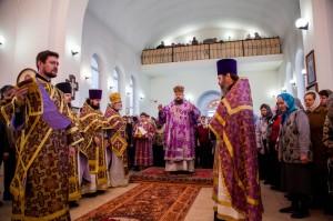 Божественная литургия свт. Иоанна  Златоуста. г. Морозовск. 29.03.2014 г.
