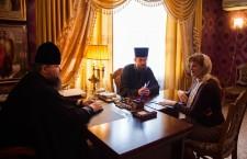Состоялась встреча главы Волгодонской епархии Преосвященнейшего Корнилия с руководителем детского клуба «Джуниор» Анастасией Широковой