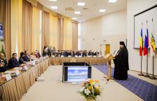 Глава Волгодонской епархии епископ Волгодонский и Сальский Корнилий принял участие в расширенном заседании Волгодонской городской Думы
