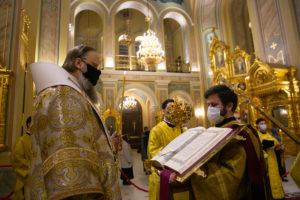 Митрополит Меркурий совершил всенощное бдение в Ростовском кафедральном соборе