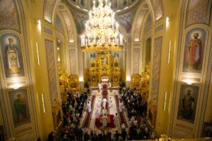 Запись трансляции рождественских богослужений в Ростовском кафедральном соборе 7 января 2021 года