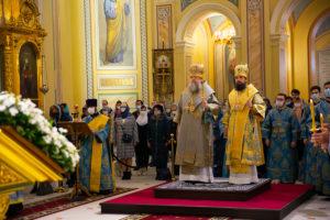 В канун празднования Благовещения Пресвятой Богородицы Глава Донской митрополии совершил всенощное бдение в Ростовском кафедральном соборе