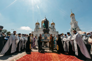 Южный крестный ход начался в Ростове-на-Дону