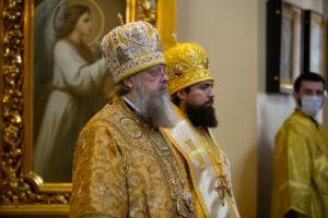 В день памяти Всех святых, в земле Российской просиявших, Глава Донской митрополии совершил Божественную литургию в Ростовском кафедральном соборе