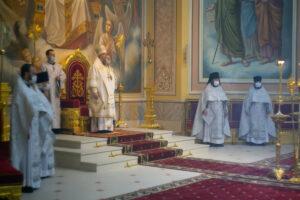 В день празднования Рождества честного славного Пророка, Предтечи и Крестителя Господня Иоанна Глава Донской митрополии совершил Божественную литургию в Ростовском кафедральном соборе