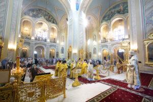 В Неделю 10-ю по Пятидесятнице Глава Донской митрополии совершил Божественную литургию в Ростовском кафедральном соборе